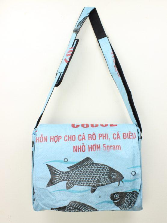 Schultertasche Fisch hellblau