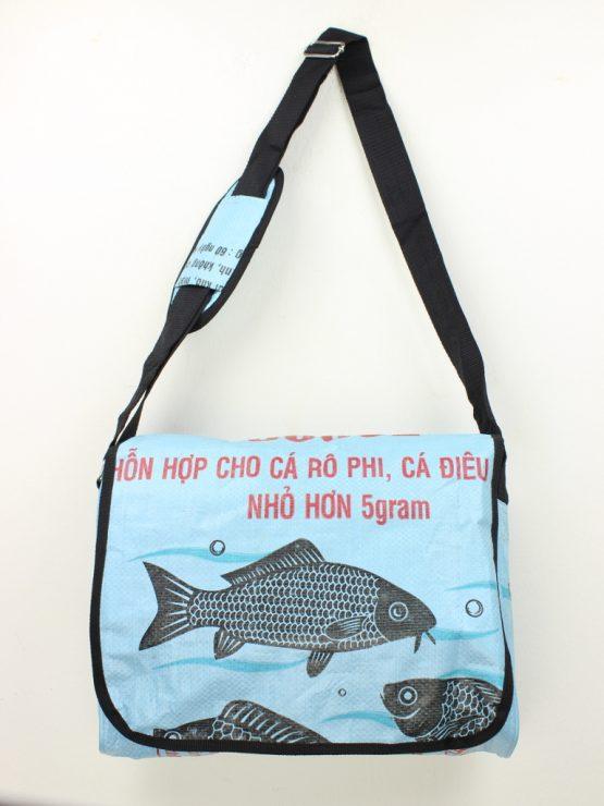 Schultertaschen Fisch hellblau rand